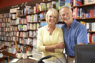 Bigstock-Couple-running-bookshop-13904324 (9)
