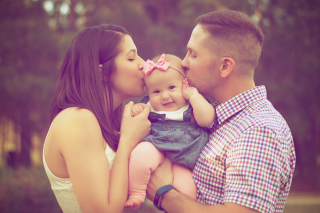 Affection-baby-baby-girl-beautiful-377058 (1)